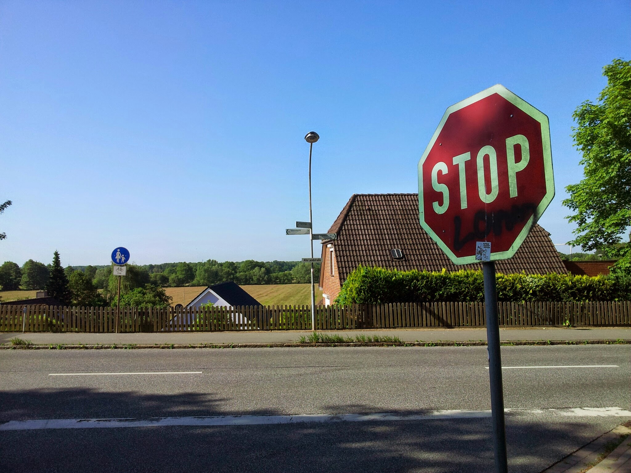 """Brandanschlag auf """"Asylbewerberheim"""" – Reaktionen aus Escheburg"""